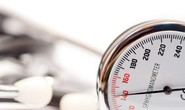 1 din 5 adulți hipertensivi ia cel puțin un medicament asociat cu creșterea tensiunii arteriale