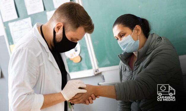 Caravana cu medici: 32 de voluntari au consultat gratuit 240 de pacienți, sprijiniți de LIAMED și TEMESED