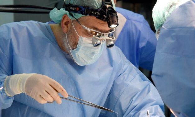Tratamentul patologiilor cardiovasculare prin intervenții chirurgicale clasice și hibride